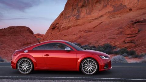 Standaufnahme    Farbe: Tangorot    Verbrauchsangaben Audi TTS:Kraftstoffverbrauch kombiniert in l/100 km: 7,1 - 7,1;CO2-Emission kombiniert in g/km: 164 - 164