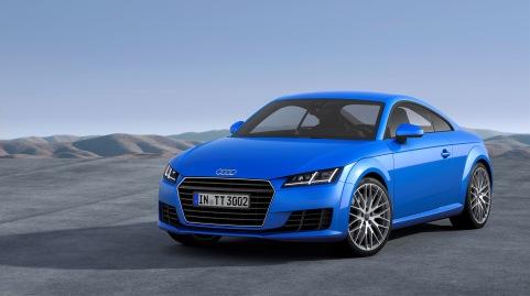 Audi hat den besten Jahresauftakt seiner Unternehmensgeschichte realisiert: Mit rund 137.700 Einheiten verkauften die Ingolstaedter im Januar 10,3 Prozent mehr Automobile als im Vorjahresmonat. Nach dem Absatzrekord im Jahr 2014 verzeichneten die Vier Ringe erneut Wachstum in allen Weltregionen. Zum gelungenen Jahresbeginn trugen weltweit vor allem die begehrte A3-Familie (+58,1%) sowie der neue Audi TT (+15,0%) bei.    Im Bild: der Audi TT*    Verbrauchsangaben Audi TT:Kraftstoffverbrauch kombiniert in l/100 km: 7,5 - 4,2;CO2-Emission kombiniert in g/km: 174 - 110