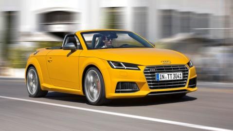 Nach dem besten ersten Quartal der Unternehmensgeschichte hat Audi auch im April mehr Automobile verkauft: Mit rund 152.850 Auslieferungen stiegen die Verkaeufe gegenueber dem Vorjahr um 2,5 Prozent. Dabei lag die Nachfrage erneut in allen Weltregionen ueber dem Vergleichsmonat. Von Januar bis April legte der weltweite Absatz des Unternehmens damit um 5,2 Prozent auf rund 591.050 an Kunden uebergebene Automobile zu.      Im Bild: der Audi TTS Roadster*     Verbrauchsangaben Audi TTS Roadster:Kraftstoffverbrauch kombiniert in l/100 km: 7,5 - 6,9;CO2-Emission kombiniert in g/km: 174 - 159