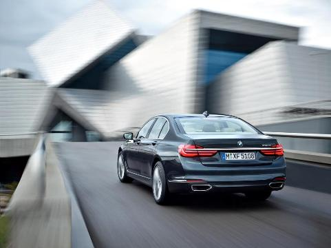 BMW 7 eDrive (1)