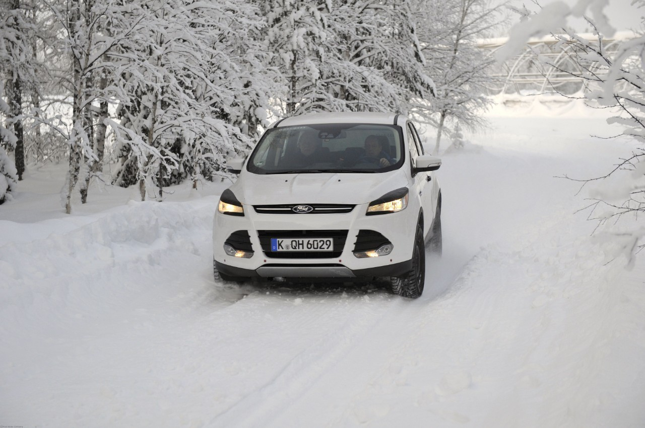 kuga_winter_driving_03