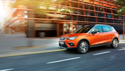 Seat-arona-design-outdoor-side-beauty-shot