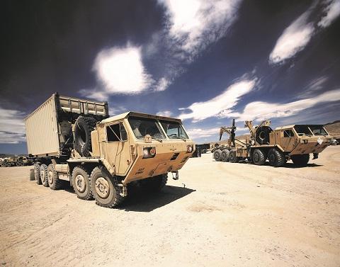 HEMTT – sunkusis didesnio mobilumo transporteris su pleišto formos kabina. Jo platformos pagrindu galima sumontuoti daugybę krovinio variantų.