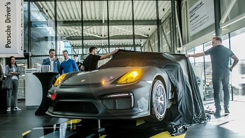 Porsche-025