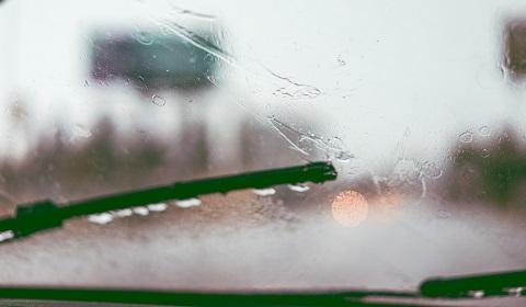 Vairavimas lyjant