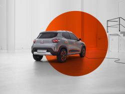 """visiškai elektrinis """"Dacia Spring"""" modelis"""