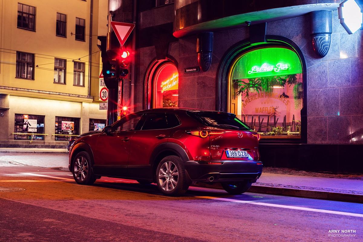 Moterų ralis miesto visureigis Mazda CX-30
