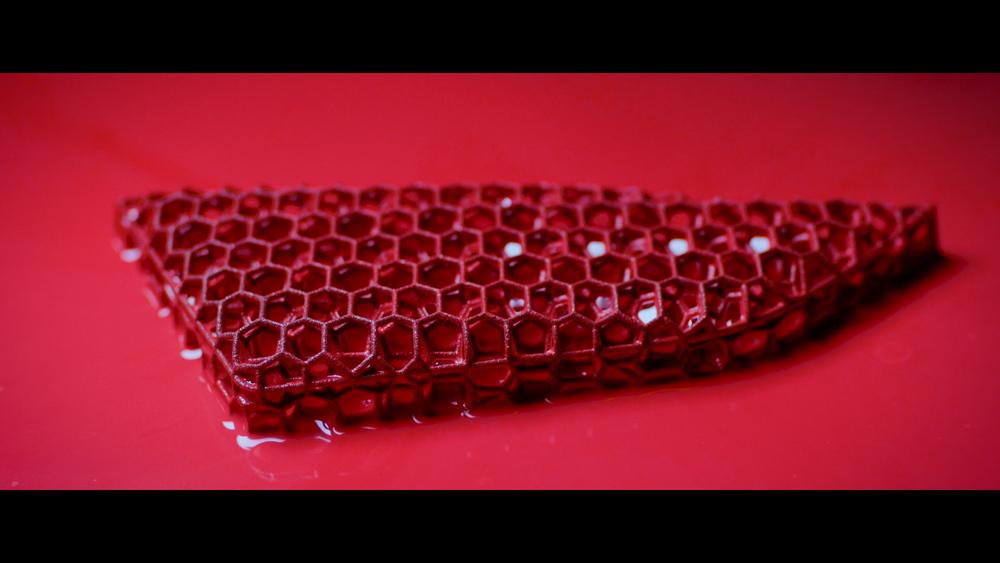 Porsche 3D spausdintuvu pagamintos sportinės sėdynės